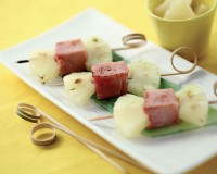 Spiedo di ananas e cotto di culatello