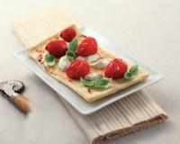 Focaccia alla recchese con stracchino e Pomodorini del Salento