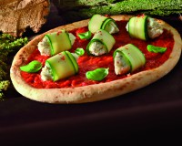 Pizza con Polpafine, zucchine, e quenelle di caprino alle erbe